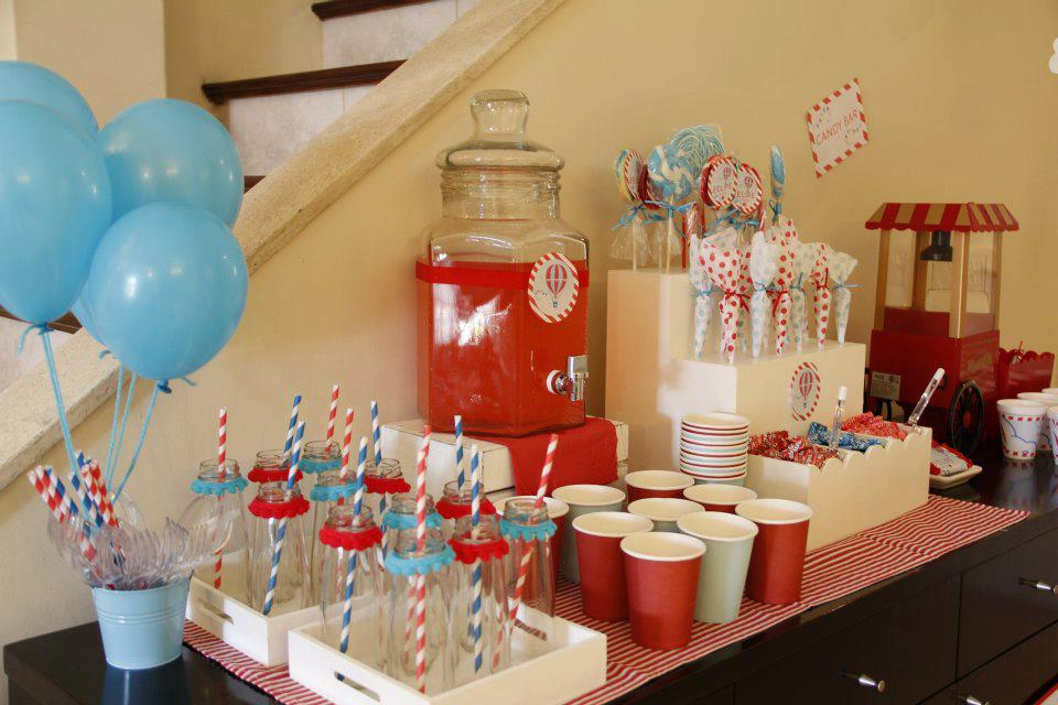Cakes and co party planning styling globos - Como decorar un pub ...