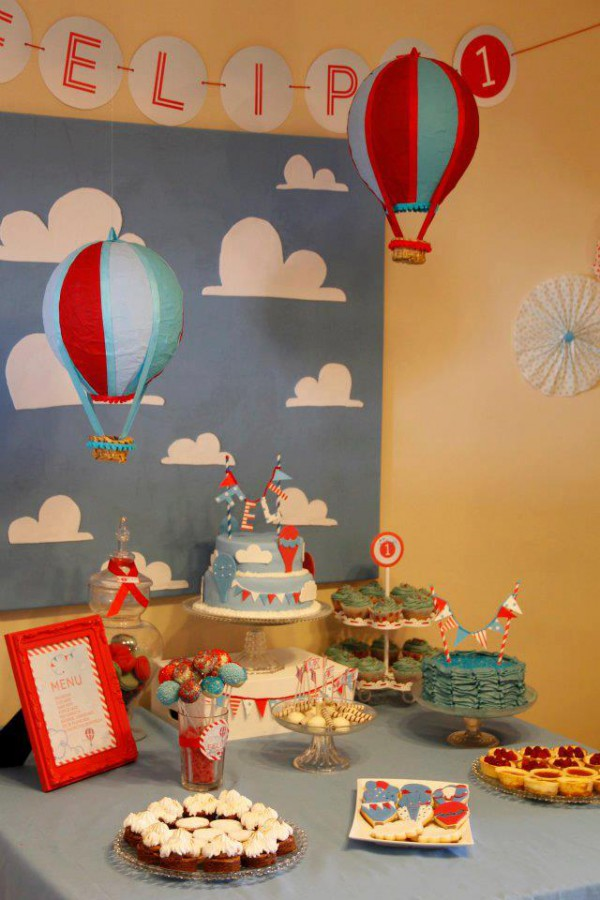 Cakes and co party planning styling 2012 july - Globos aerostaticos infantiles ...