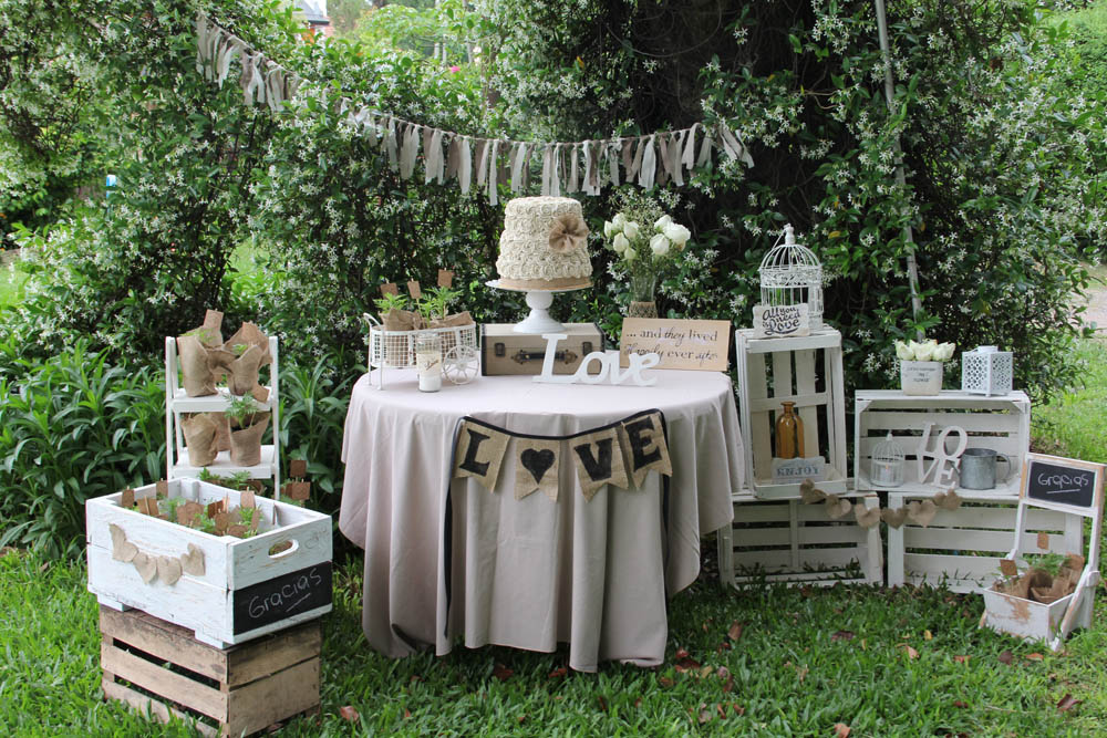 Cakes and co party planning styling boda vintage for Boda en un jardin